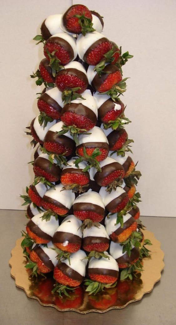 Strawberry Christmas Tree Appetizer