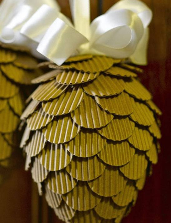 Turn Corrugated Pinecones into Beautiful Pine Cones #Christmas #Christmasdecor #budget #diy #decorhomeideas