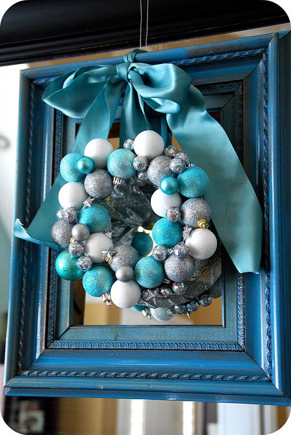 Turquoise Framed Christmas Wreath #Christmas #Christmasdecor #blue #silver #turquoise #decorhomeideas