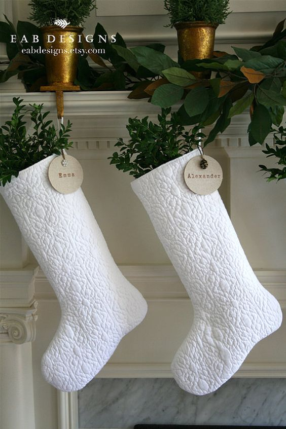 White Christmas Stockings #Christmasdecor #Christmas #white #whitechristmas #decorhomeideas