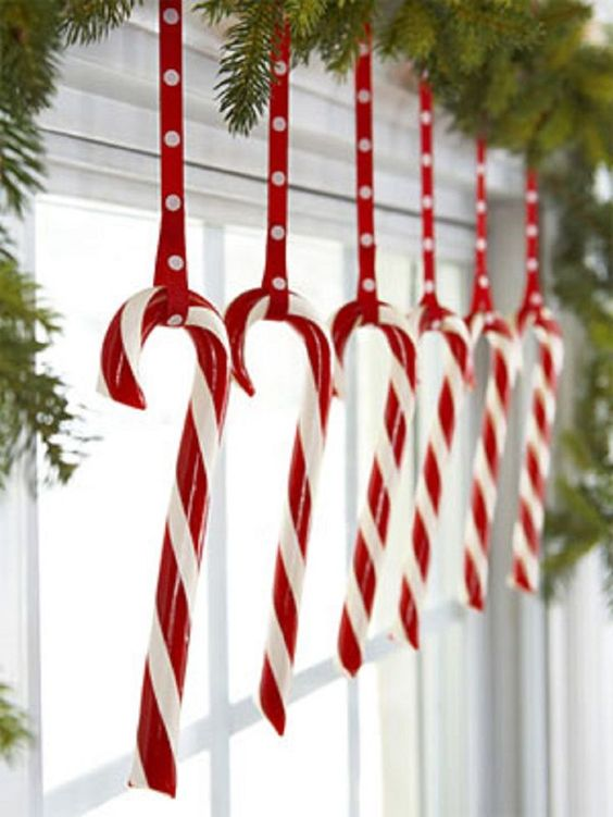 Candy Cane Red Christmas Window Decoration #Christmasdecor #Christmas #red #reddecor #decorhomeideas