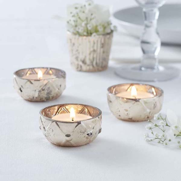 Christmas Candle Holders #Christmas #Christmasdecor #candles #centerpiece #decorhomeideas