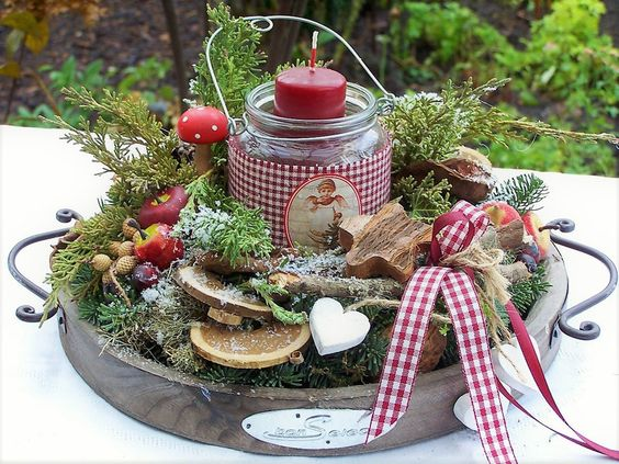 Christmas Candle Tray Centerpiece #Christmas #Christmasdecor #candles #centerpiece #decorhomeideas