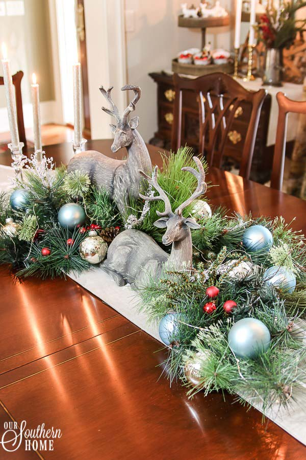 Christmas Deer Centerpieces #Christmas #centerpiece #Christmasdecor #decorhomeideas