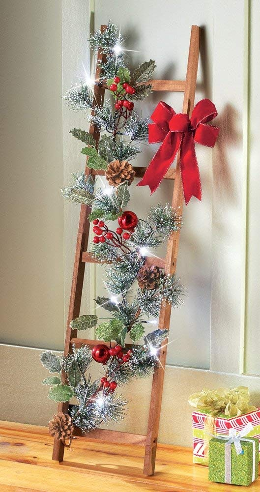 Christmas Ladder Red Decoration #Christmasdecor #Christmas #red #reddecor #decorhomeideas