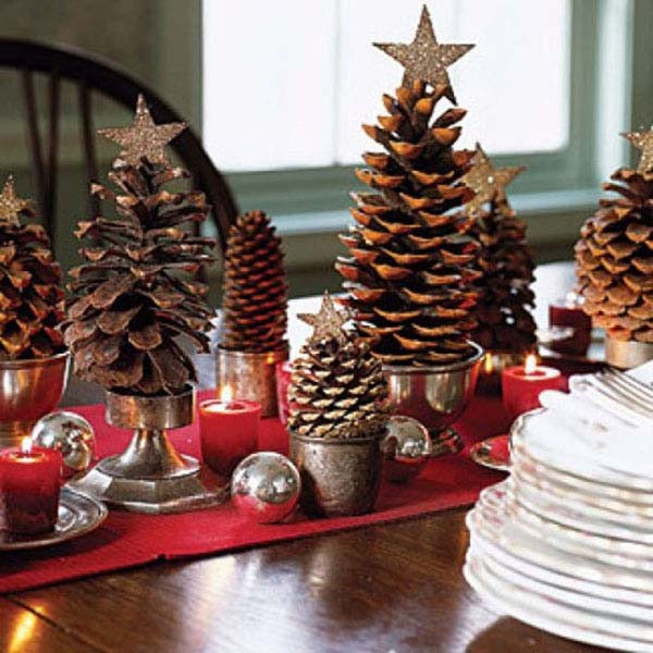 Christmas Pine Cones Centerpiece #Christmas #Christmasdecor #pinecones #crafts #decorhomeideas