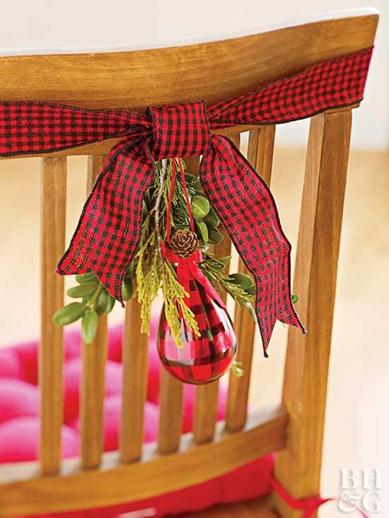 Christmas Red Decoration For Chairs #Christmasdecor #Christmas #red #reddecor #decorhomeideas