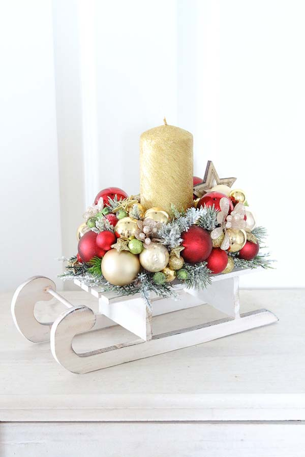 Christmas Sleigh Candle Centerpiece #Christmas #Christmasdecor #candles #centerpiece #decorhomeideas