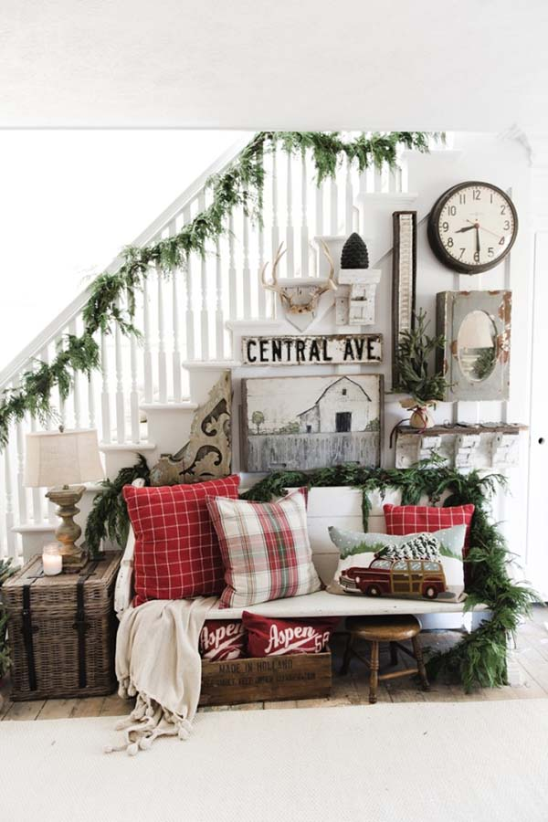 Farmhouse Entryway Christmas Decor #Christmas #Christmasdecor #entryway #hallway #decorhomeideas