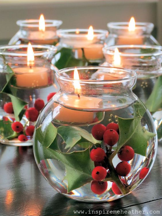 Floating Candle Holder #Christmas #Christmasdecor #candles #centerpiece #decorhomeideas