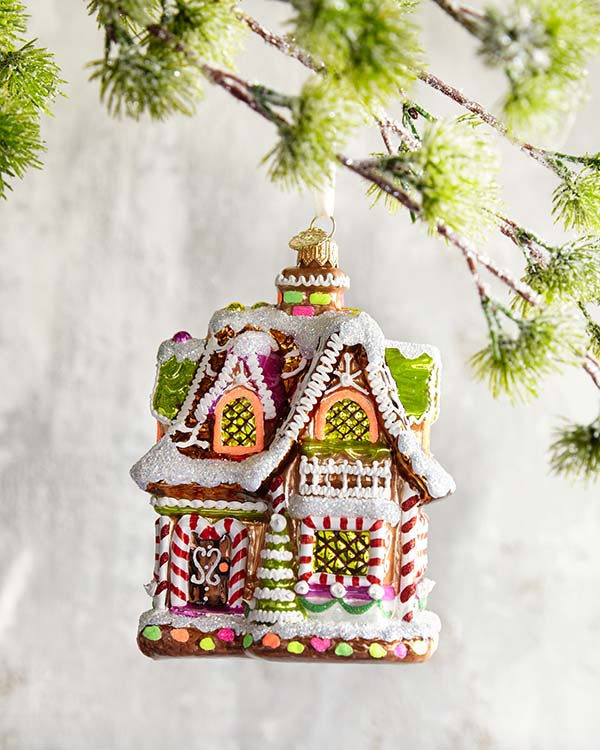Gingerbread House Christmas Tree Ornament #Christmas #ornaments #Christmasdecor #decorhomeideas
