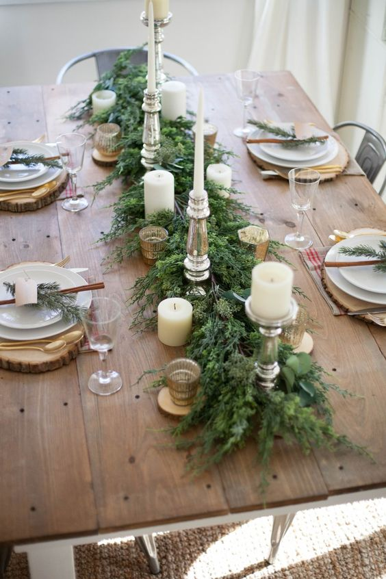Greenery Rustic Centerpiece #Christmas #centerpiece #Christmasdecor #decorhomeideas