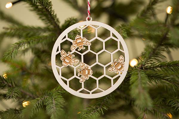 Honeycomb Christmas Ornament #Christmas #ornaments #Christmasdecor #decorhomeideas