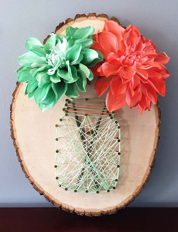 Mason Jar Flowers String Art #stringart #diy #stringartideas #decorhomeideas