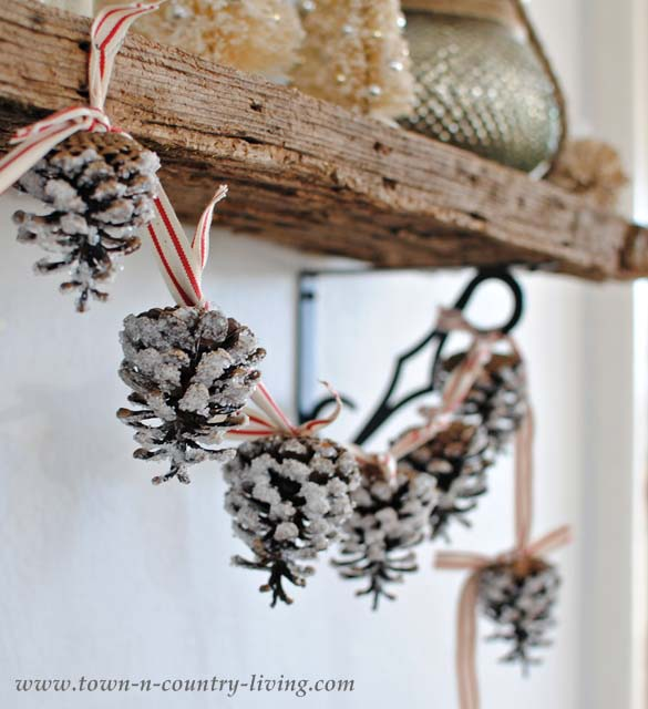 Pine Cone Garland #Christmas #Christmasdecor #pinecones #crafts #decorhomeideas