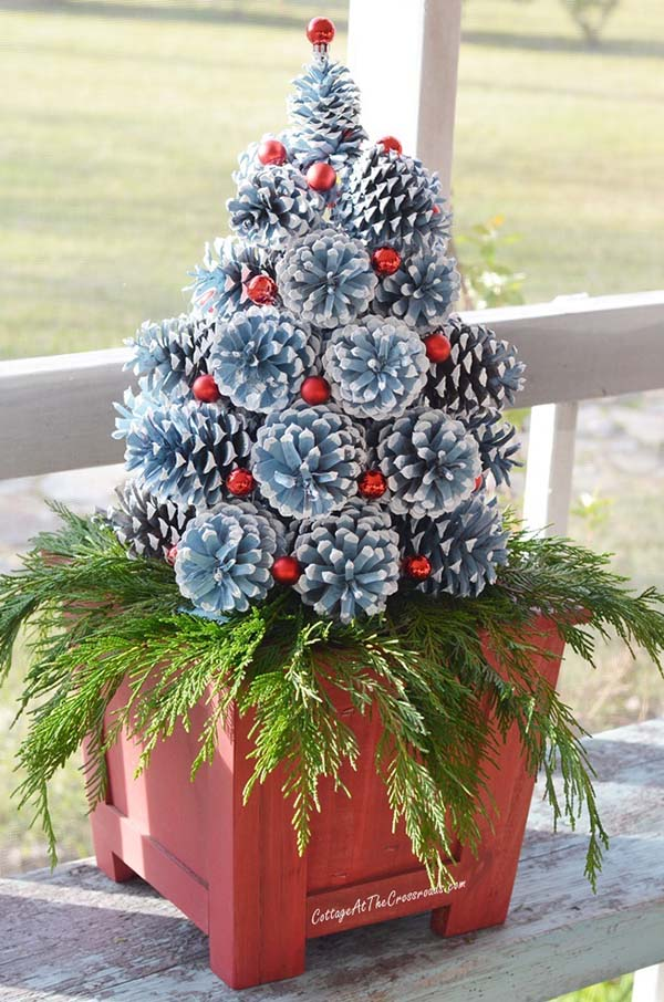 Pinecone Christmas Tree #Christmas #Christmasdecor #pinecones #crafts #decorhomeideas