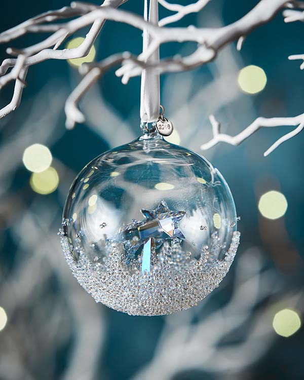 Swarovski Crystal Ball Ornament #Christmas #ornaments #Christmasdecor #decorhomeideas