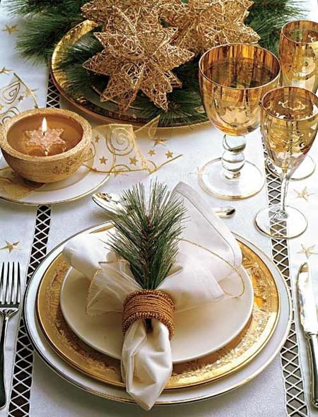 Christmas table decorations in gold