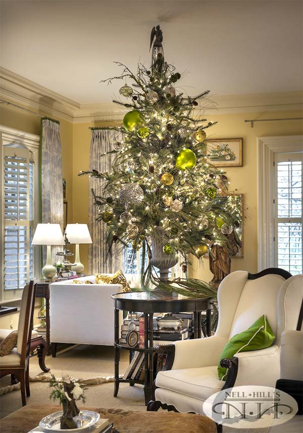 Gorgeous Tabletop Christmas Tree #Christmas #tabletop #Christmastree #Christmasdecor #decorhomeideas