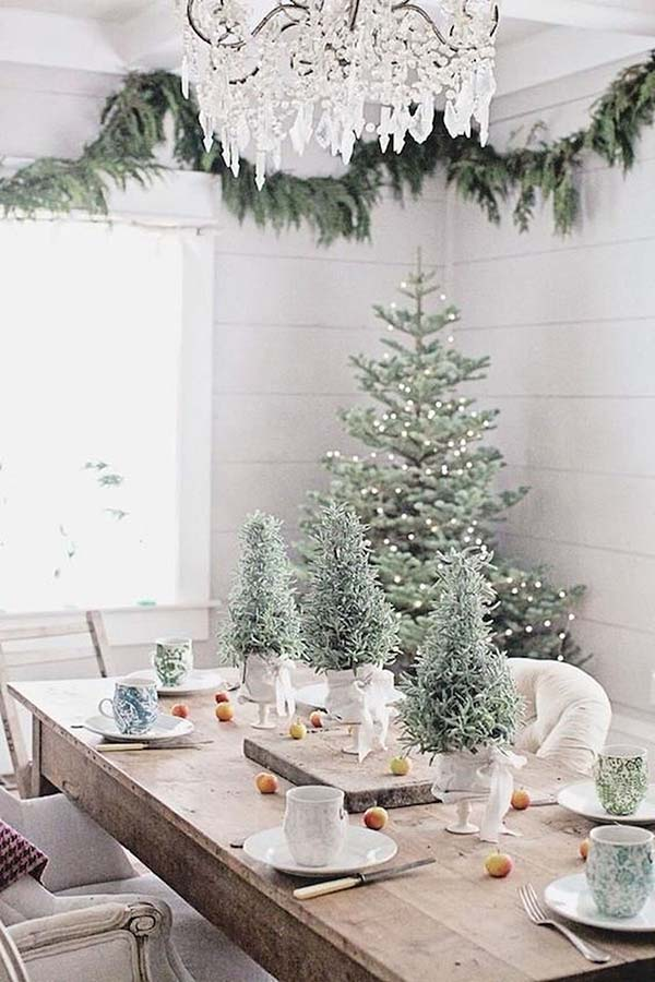 Greenery Christmas Table Decoration