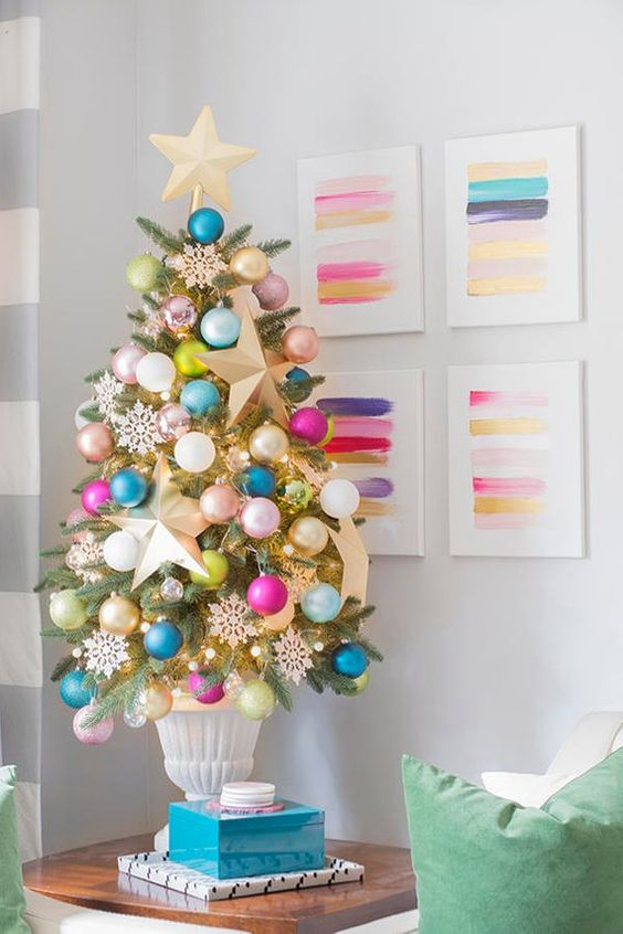 Rainbow Tabletop Christmas Tree #Christmas #tabletop #Christmastree #Christmasdecor #decorhomeideas