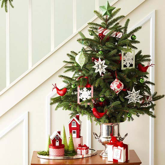 Tabletop Christmas Tree Idea #Christmas #tabletop #Christmastree #Christmasdecor #decorhomeideas