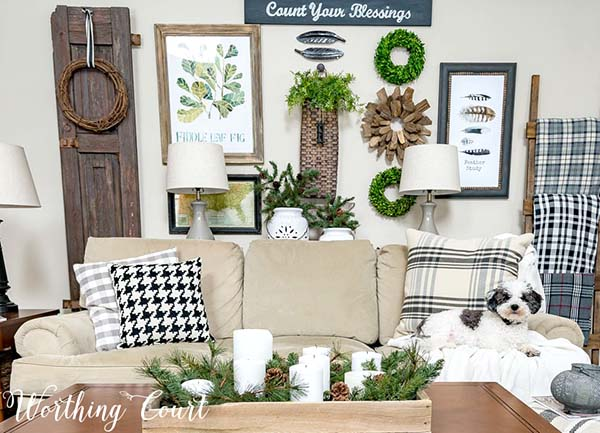 Winter Decor Family Room #rustic #winterdecor #homedecor #decorhomeideas