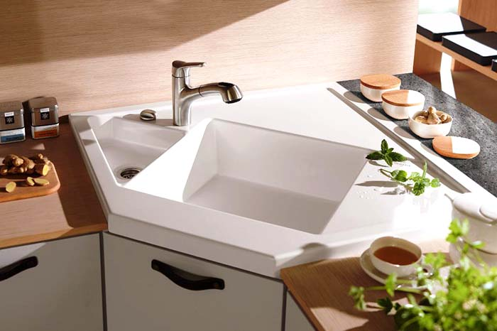 Ceramic Corner Kitchen Sink #cornersink #kitchen #sink #decorhomeideas