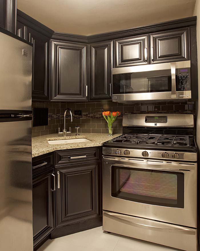 Dark Kitchen Corner Cabinets and Sink #cornersink #kitchen #sink #decorhomeideas