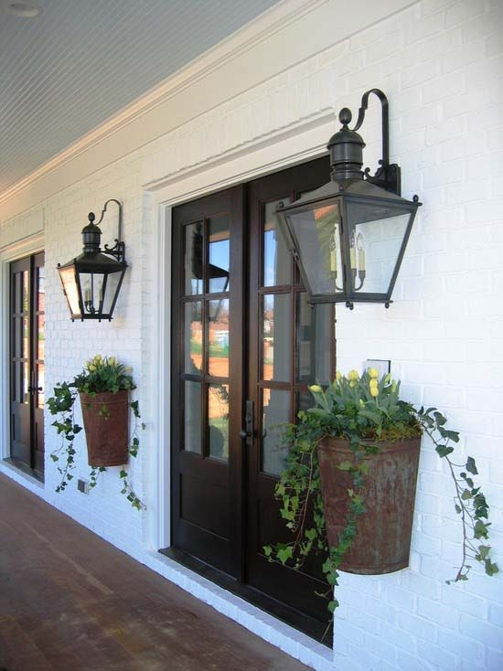 Farmhouse Flower Planters For Front Porch #farmhouse #rustic #porch #decor #decorhomeideas