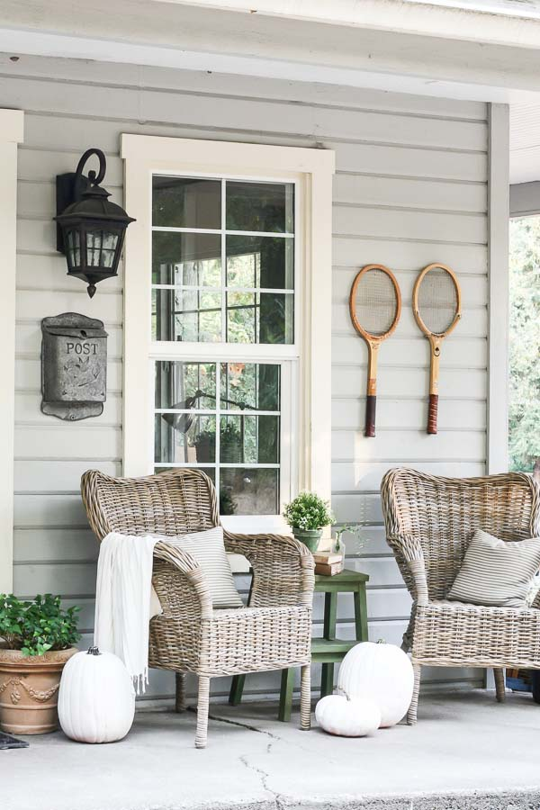 Farmhouse Porch Decor Ideas #farmhouse #rustic #porch #decor #decorhomeideas