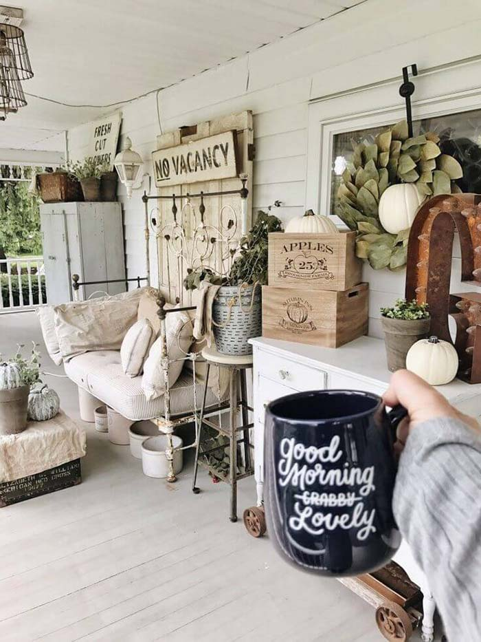 Farmhouse Porch Decoration #farmhouse #rustic #porch #decor #decorhomeideas