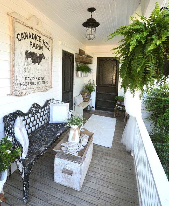 Gorgeous Farmhouse Front Porch Decor #farmhouse #rustic #porch #decor #decorhomeideas