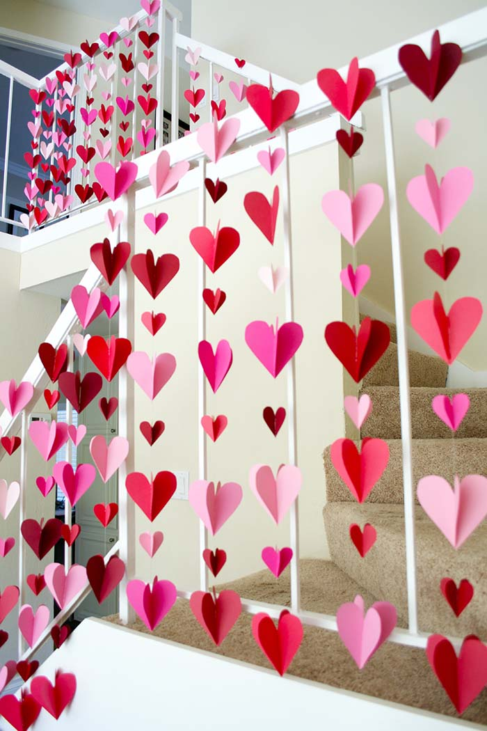 Heart Paper Garlands #valentinescraft #decor #love #crafts #diy #decorhomeideas