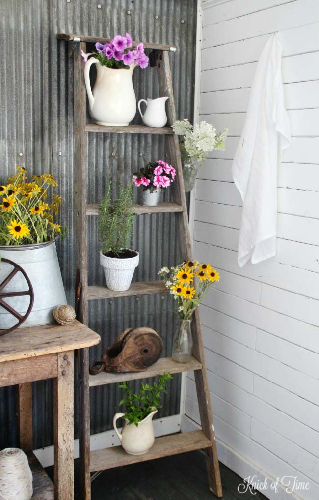 Ladder Plant Stand Farmhouse Porch Decor #farmhouse #rustic #porch #decor #decorhomeideas