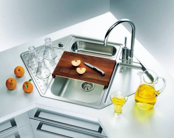 Multifunctional Corner Kitchen Sink #cornersink #kitchen #sink #decorhomeideas