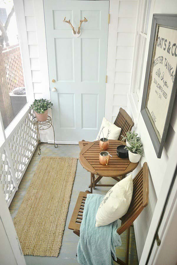 Narrow Farmhouse Porch Decor #farmhouse #rustic #porch #decor #decorhomeideas