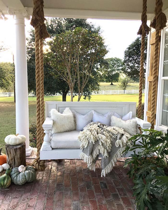 Porch Swing #farmhouse #rustic #porch #decor #decorhomeideas