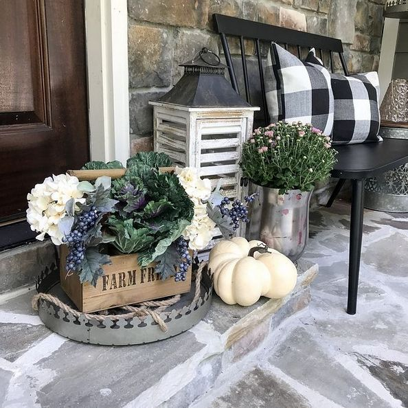 Rustic Fall Front Porch Decor #farmhouse #rustic #porch #decor #decorhomeideas