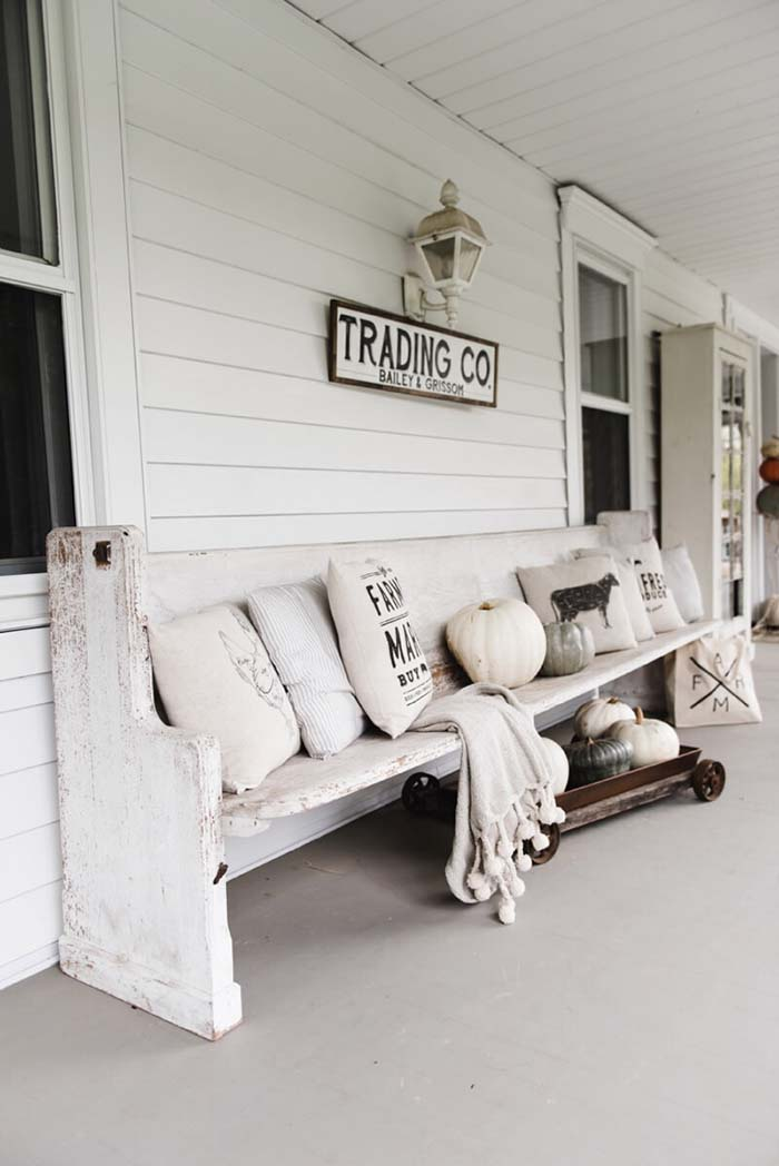 Rustic farmhouse porch decor ideas #farmhouse #rustic #porch #decor #decorhomeideas