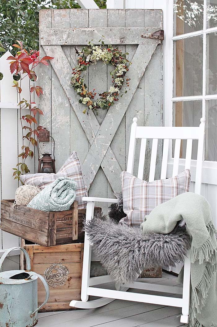 Scandinavian Farmhouse Front Porch #farmhouse #rustic #porch #decor #decorhomeideas
