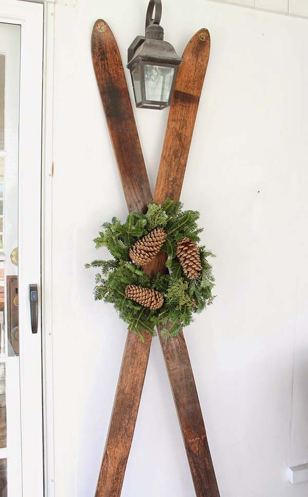 Ski Front Porch Winter Decor #winterdecor #homdecor #winter #decorhomeideas