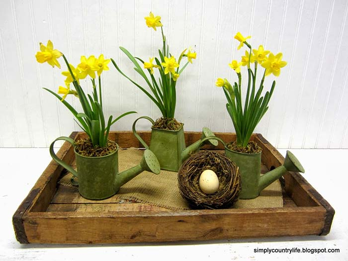 Spring Daffodil Watering Can Centerpiece #centerpiece #spring #Easter #decorhomeideas