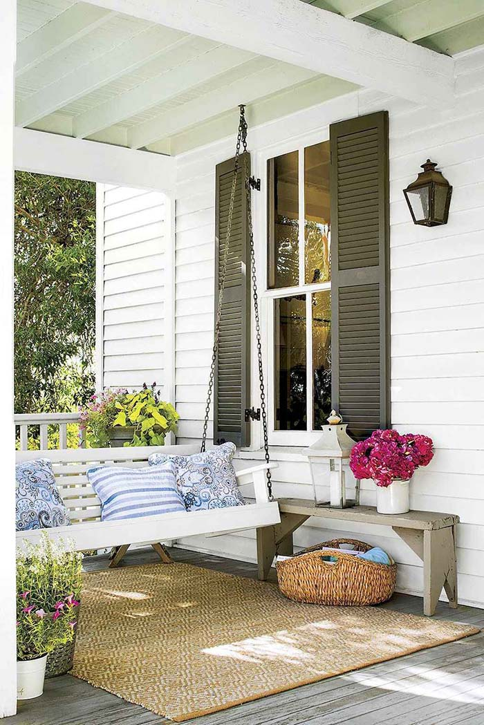 Swinging Bed Farmhouse Porch Decor #farmhouse #rustic #porch #decor #decorhomeideas