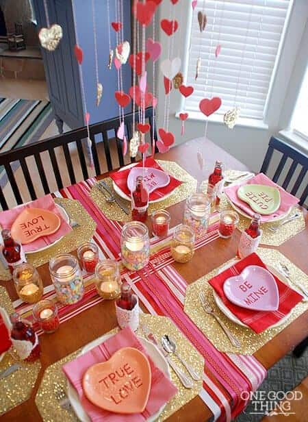 Valentines Day Dinner Decor #valentinescraft #decor #love #crafts #diy #decorhomeideas