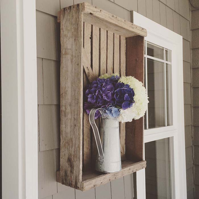 Wooden Crate Farmhouse Porch Decor #farmhouse #rustic #porch #decor #decorhomeideas