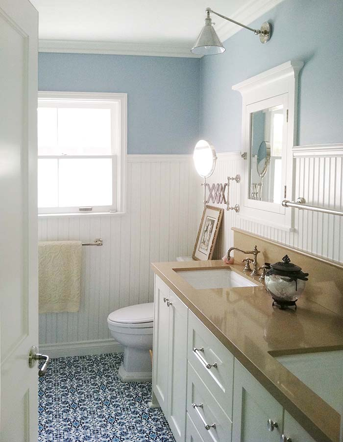 Beach Style Bathroom With Wainscoting Wall Panels