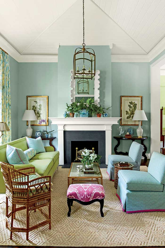 Blue Green Living Room Interior Design #paintcolor #relax #homedecor #calming color #decorhomeideas