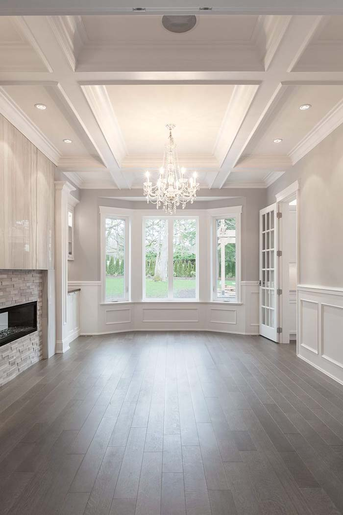 Dining Room Design With Wainscoting Wall