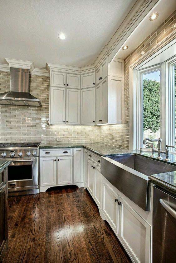 Glazed Antique White Kitchen Cabinets